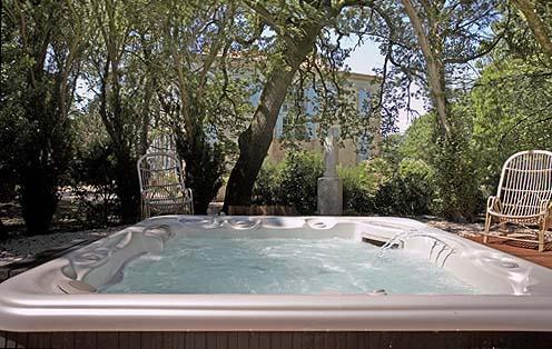 Le ch teau de clermont sav s loisirs for Claude raymond piscine